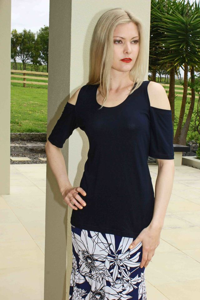 size 8 Navy Viscose Cold shoulder Top